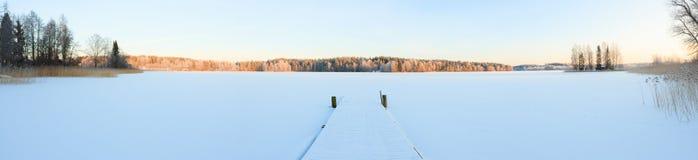 Paisaje del lago winter en Finlandia Foto de archivo libre de regalías