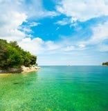 Paisaje del mar adriático del verano en Croacia Foto de archivo libre de regalías