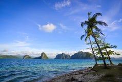 Paisaje del mar tropical en el día soleado Foto de archivo