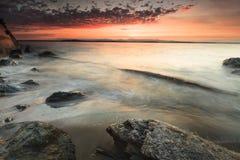 Paisaje del mar y de nubes intensas Imágenes de archivo libres de regalías