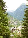 Paisaje del Mountain View de Morzine en las montañas Imagen de archivo