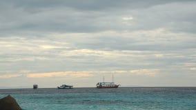 Paisaje del océano de la mañana almacen de metraje de vídeo