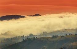 Paisaje del otoño en las montañas Fotografía de archivo