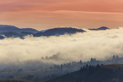 Paisaje del otoño en las montañas Fotos de archivo