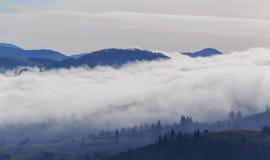 Paisaje del otoño en las montañas Imagenes de archivo