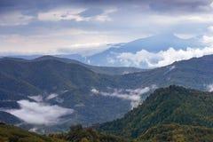 Paisaje del otoño en las montañas de Lago-Naki Foto de archivo libre de regalías