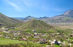 Paisaje del país de la montaña del resorte Foto de archivo libre de regalías