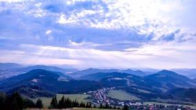 Paisaje del pueblo del valle verde de la montaña, Mountain View, nacional fotos de archivo libres de regalías