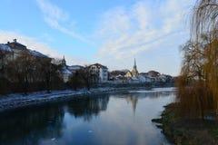 Paisaje del río de la ciudad de Lugoj fotografía de archivo libre de regalías