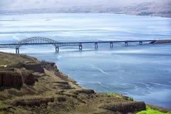 Paisaje del río y del puente Foto de archivo