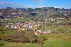 Paisaje del resorte en las montañas de Rumania Fotografía de archivo libre de regalías