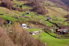 Paisaje del resorte en las montañas de Rumania Imagen de archivo