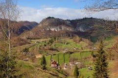 Paisaje del resorte en las montañas de Rumania Fotos de archivo libres de regalías