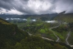 Paisaje del valle de niebla en Georgia Fotografía de archivo