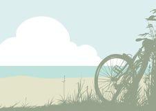Paisaje del verano con una bicicleta Foto de archivo libre de regalías