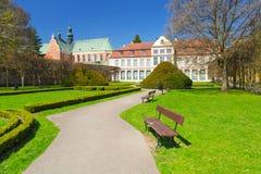 Paisaje del verano del palacio de los abades en Gdansk Oliwa Imagen de archivo