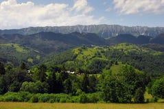 Paisaje del verano en las montañas de Rumania Foto de archivo libre de regalías