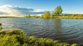 Paisaje del verano en los bancos del río de Ural, Rusia, Fotos de archivo