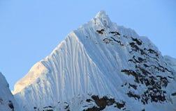 Paisaje dramático de la montaña, Cordillera Huayhuash, Perú Imágenes de archivo libres de regalías