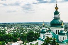 Paisaje en Chernihiv con la iglesia antigua Foto de archivo
