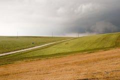 Paisaje en el Campania (Italia): una tormenta está viniendo Imagenes de archivo