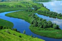 Paisaje en el río Volga fotos de archivo