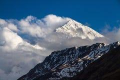 Paisaje en las montañas himalayan Imágenes de archivo libres de regalías