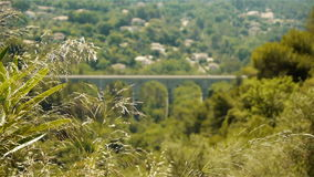 Paisaje escénico en el sur Loup de Tourrettes en Francia del sur metrajes