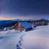 Paisaje fantástico del invierno Cielo estrellado foto de archivo libre de regalías