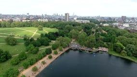 Paisaje hermoso alrededor de Hyde Park, Londres, Reino Unido almacen de video
