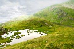 Paisaje hermoso alto en las montañas Fotos de archivo