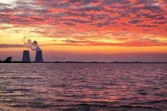 Paisaje hermoso con el cielo de la puesta del sol Imagen de archivo libre de regalías