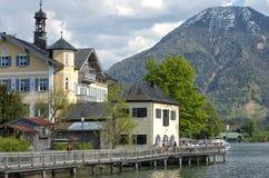 Paisaje hermoso con el lago de la montaña en las montañas Fotografía de archivo