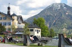 Paisaje hermoso con el lago de la montaña en las montañas Imagenes de archivo