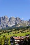 Paisaje hermoso con la montaña de Pomagagnon, cerca de Cortina d'Ampezzo Fotos de archivo libres de regalías