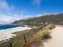 Paisaje hermoso de la costa costa pacífica, Big Sur en la carretera 1 Fotos de archivo libres de regalías