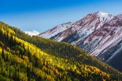 Paisaje hermoso de la montaña en Aspen, telururo, Colorado imagenes de archivo