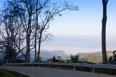 Paisaje hermoso de la naturaleza y de la niebla en Chiang Mai, Tailandia fotos de archivo libres de regalías