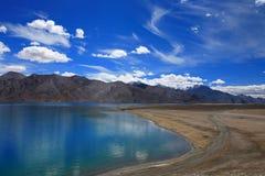 Paisaje hermoso de la opinión del lago Imagenes de archivo