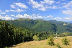 Paisaje hermoso de las montañas fotografía de archivo libre de regalías