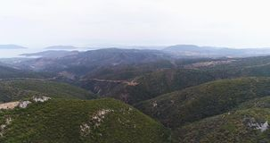 Paisaje hermoso de las montañas del verano cerca del Templo de Artemisa 4k, a cámara lenta metrajes