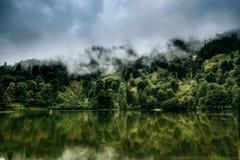 Paisaje hermoso del lago Fotografía de archivo