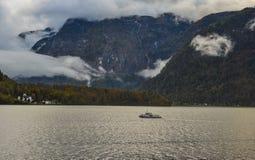 Paisaje hermoso del lago de Hallstatt, Austria foto de archivo libre de regalías