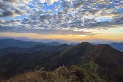 Paisaje hermoso del verano en las montañas Imágenes de archivo libres de regalías