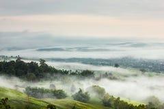 Paisaje hermoso en la parte de Tailandia sobre el valle Foto de archivo libre de regalías