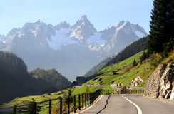 Paisaje hermoso en las montañas suizas, Suiza Foto de archivo libre de regalías