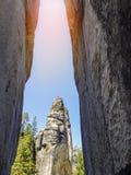 Paisaje hermoso en las rocas de Adrspach Teplice, República Checa Fotos de archivo libres de regalías