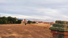 Paisaje hermoso en un pueblo español imagen de archivo libre de regalías