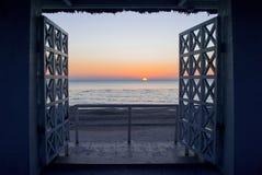 Paisaje hermoso y mar Fotos de archivo libres de regalías