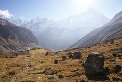 Paisaje Himalayan dramático de la montaña Fotos de archivo libres de regalías